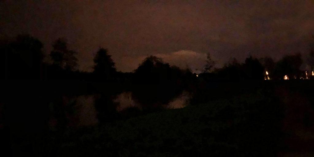 bain-foret-shinrin-yoku-sylvotherapie-anne-lise-guide-normandie-louvigny-orne-riviere-pont-nuit-lune-novembre.jpg
